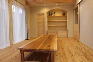 天竜杉板でつくった座卓